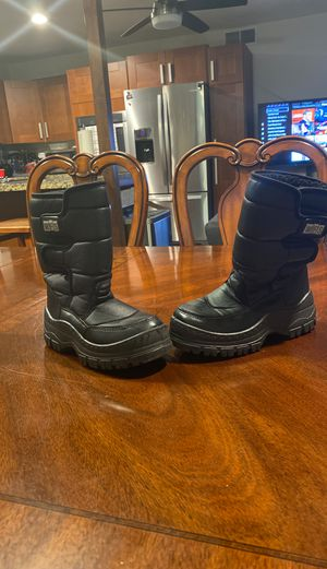 Kids Snow boots $10 for Sale in Phoenix, AZ