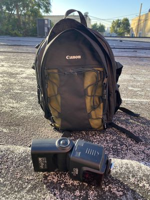 Canon camera bag/backpack plus flash. for Sale in Long Beach, CA