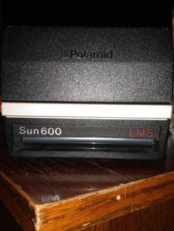 Polaroid Sun 600 Lms for Sale in Lyon Charter Township,  MI