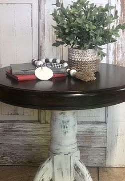 Farmhouse End Table/side Table for Sale in Leavenworth,  WA