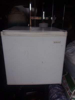 Mini Fridge,works great for Sale in Hawthorne, CA