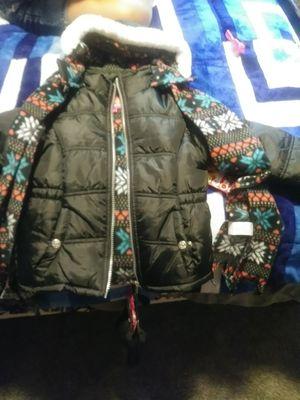 4t winter jacket for Sale in Mandan, ND