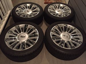 22 INCH 2019 CADILLAC ESCALADE PLATINUM EDITION BRAND NEW RIMS AND TIRES WITH SENSORS. 6 lug for Sale in Auburn, WA
