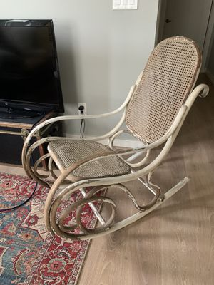 Antique rocking chair for Sale in Los Angeles, CA