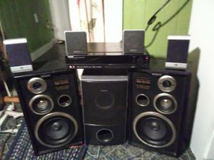 Home theater/surround sound system for Sale in Kingsport, TN