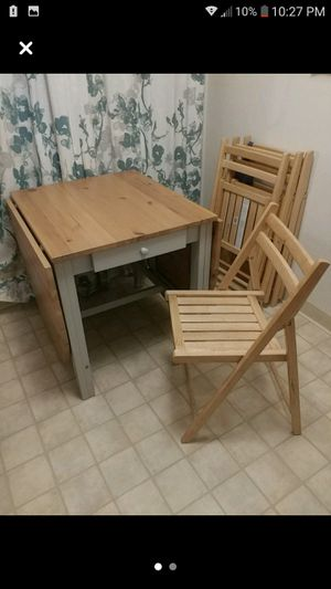 Expandable IKEA kitchen table with 4 chairs for Sale in San Jose, CA