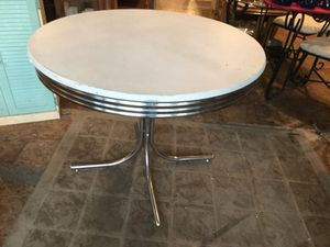 Round kitchen dining table for Sale in San Diego, CA