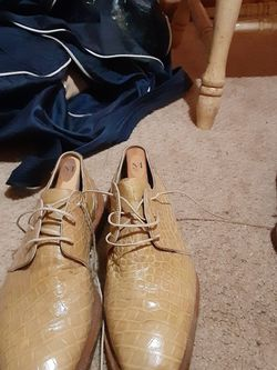 Lightly Used (almost new) Men Shoes Size For Sale for Sale in Stone Mountain,  GA