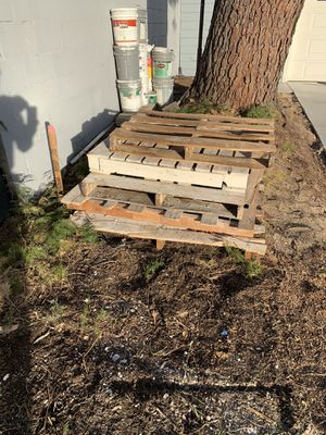 Pallets free for Sale in Los Angeles, CA