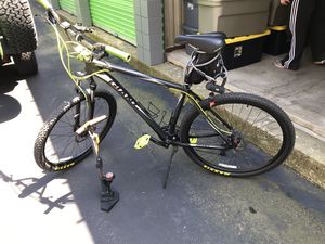 Giant 29er xl totally custom front suspension mountain bike for Sale in South Easton, MA