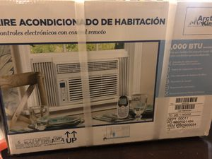 Ac unit Artic king 8000 btu Air conditioner for Sale in Austin, TX