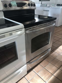 BIG BARGAINS!! DM ME! Electric Stove Oven GE Works Perfectly #2655 for Sale in Arlington,  VA