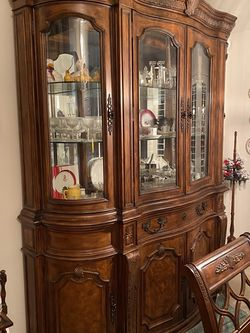 Drexel Heritage Dining Room Table and China Cabinet for Sale in Salt Lake City,  UT