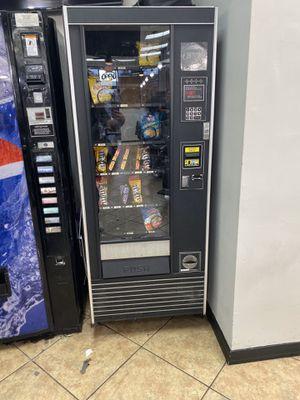 Snack Vending Machine for Sale in Orlando, FL