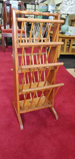 Magazine Rack for Sale in Casselberry,  FL