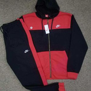 AUTHENTIC NIKE SUIT 2X for Sale in Jessup, MD