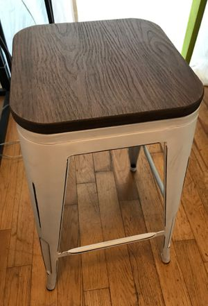Bar stool, 1 month old. New!! for Sale in Beverly Hills, CA
