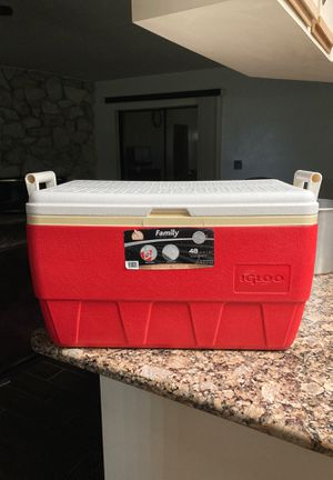 igloo family cooler 48 QT/ 45 L for Sale in Gibsonton, FL