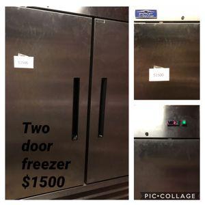 Artic Air commercial double door freezer. for Sale in Owensville, MO
