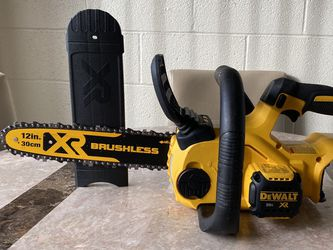 "Dewalt 20V 12"" Cordless Chainsaw (Tool Only) for Sale in Las Vegas,  NV"