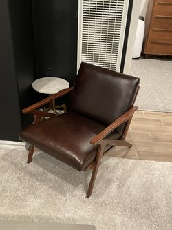 Crate and Barrel Cavett Chair for Sale in Azusa,  CA