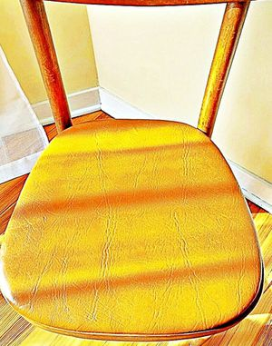 Wooden Shelby Williams Industries MCM chairs (4) with leather seat cushion. for Sale in Oakhurst, NJ
