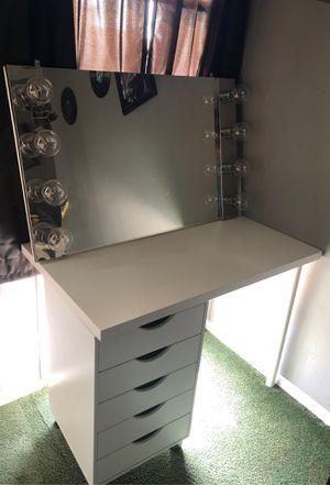 Vanity desk for Sale in Orange, CA