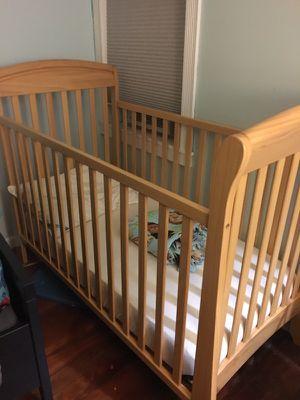 Baby crib w/ mattress!! for Sale in Camden, NJ