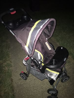 Nice light weight foldup Stroller only 25 Firm for Sale in Severn, MD