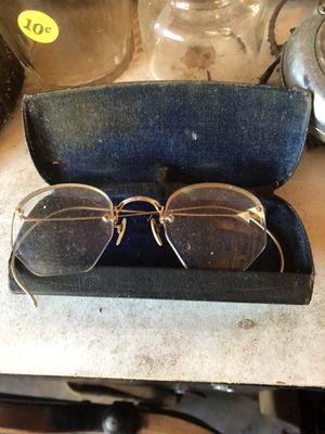 Antique glasses & case for Sale in Marysville, WA