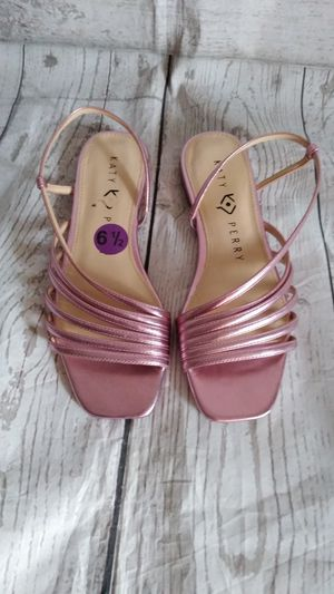 Brand New Beautiful Katy Perry Sandals , women's Size 6.5 ( never worn ) for Sale in Frederick, MD