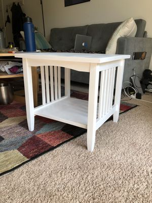 Wooden White Side Table for Sale in Fort Meade, MD