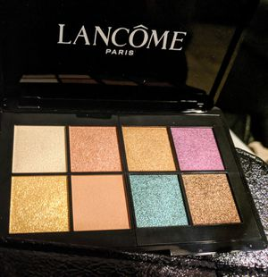 Beautiful Lancome eyeshadow for Sale in Phoenix, AZ