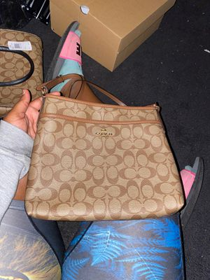 Brown Coach purse for Sale in Los Angeles, CA