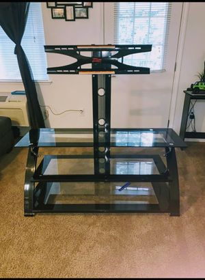 Glass Mount tv for free for Sale in Hayward, CA