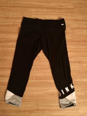 Victoria secret crop leggings. Excellent condition. Size medium. FCFS no holds. Pickup by tomorrow evening for Sale in Palmetto, FL