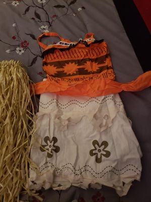 Moana costum size small new didnt use it becasue to big for my daughter and brought from México for Sale in Eatonville, WA