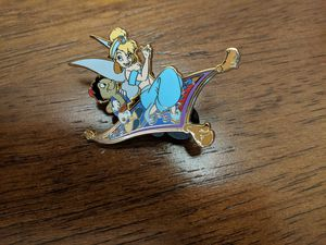 Disney LE 250 pin Jiminy cricket as Aladdin and Tinkerbell as Jasmine for Sale in Glendale, AZ