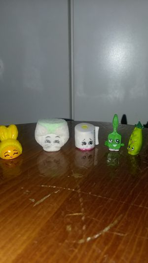 5 shopkins with bags for Sale in Henderson, CO