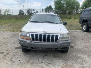 Parting out 2002 Jeep Grand Cherokee Laredo 4x4 for Sale in New Castle, PA