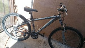 Trek 4300 mountain bike for Sale in Los Angeles, CA