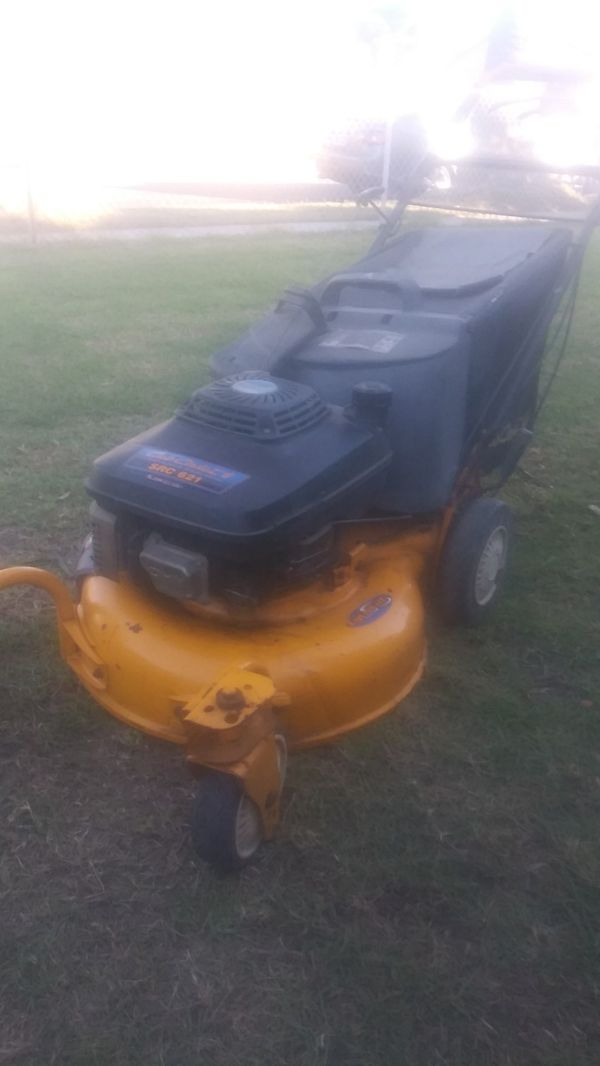 Lawnmower Kawasaki (src621) commercial grade in excellent conditions ready to use