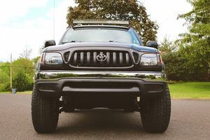 Fresh oil change 03 Toyota Tacoma for Sale in Frisco, TX