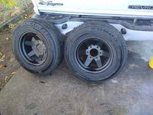 215 /70/14 para Chevy Nissan Mazda solo tengo 3 for Sale in Colton, CA