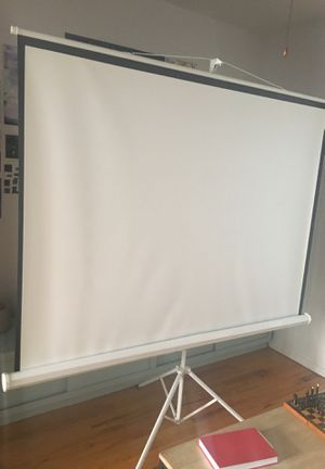 100in projector screen!! In new condition :) for Sale in Brooklyn, NY