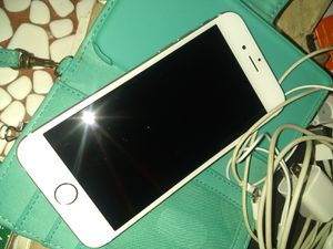 iPhone 6s 64g Gold Sprint *Like New* for Sale in Kansas City, MO