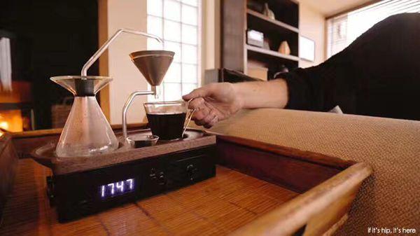 Barisieur The Tea & Coffee-Brewing Alarm clock