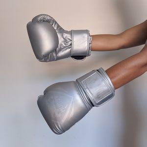 boxing gloves for Sale in Hollywood, FL