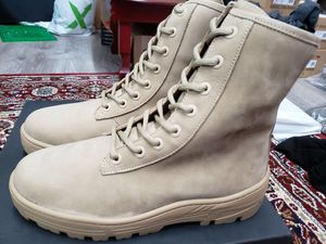 NEW Yeezy Season 5 Military Combat Boot Nubuck Taupe Sz 9 for Sale in Huntington, NY