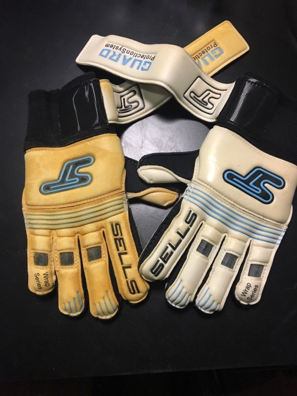 Goaly glove fingersave size 4 only